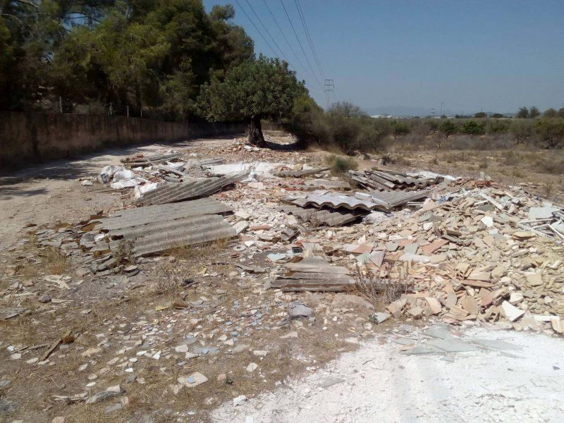 Foto ARCI Amianto en escombrera en Quart de Poblet